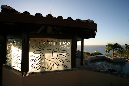 Szczesny glass etching, Paradiso House, Mustique.